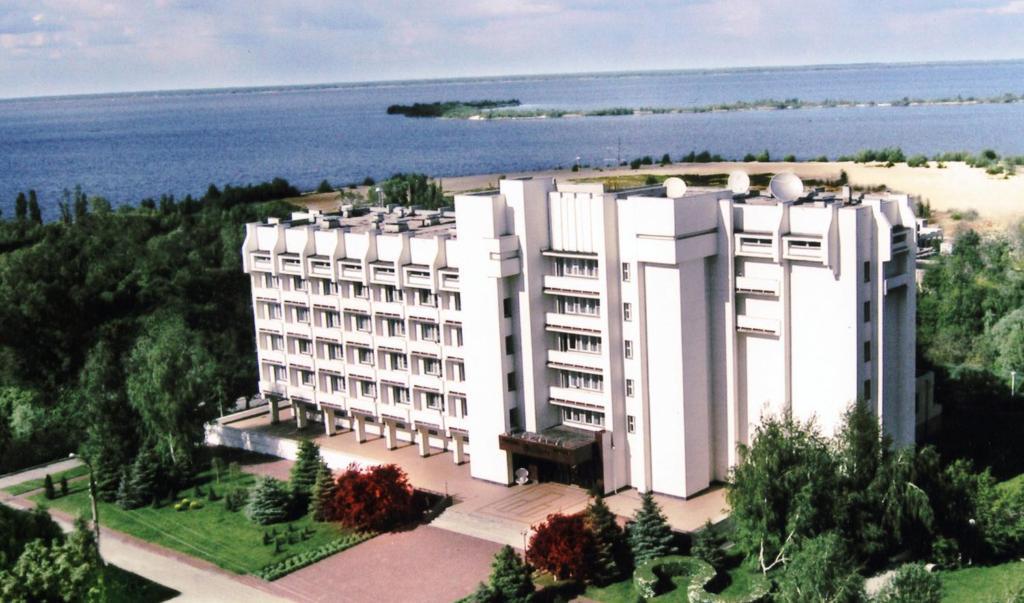 Забронировать отель в черкассах, украина купить билет на самолет киев калининград