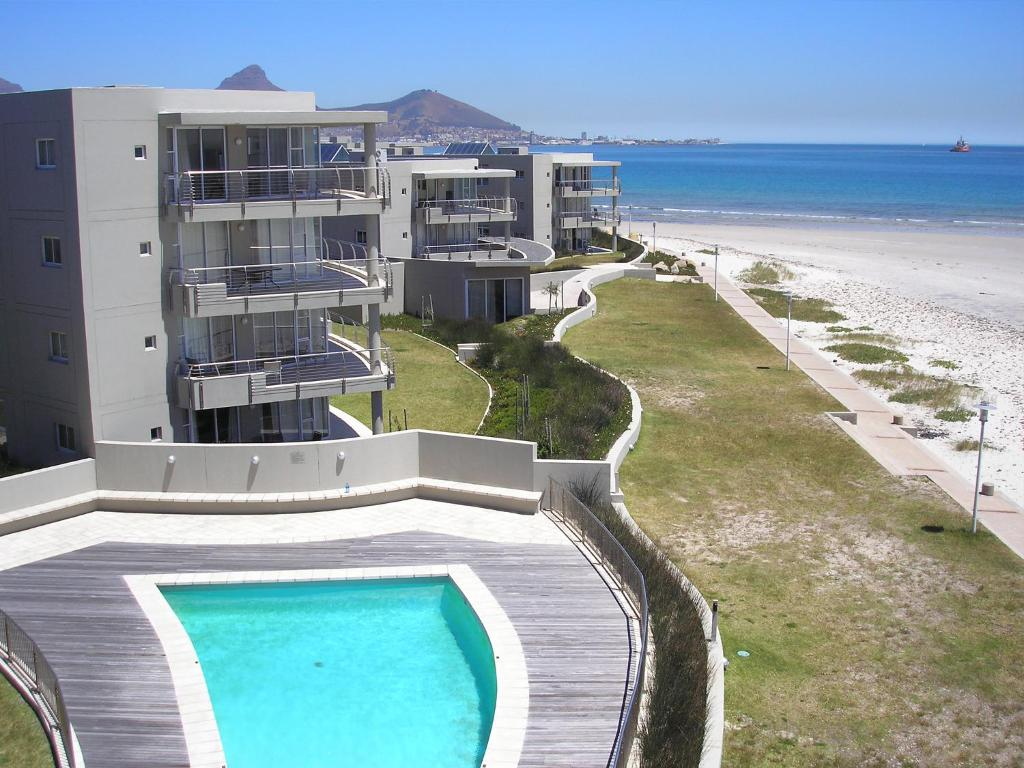 Apartment Sunstays Lagoon Beach, Cape Town, South Africa ...