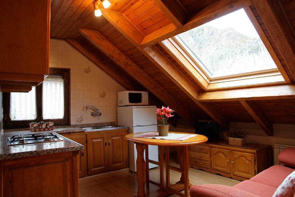 Casa rural la comella barruera spain - Casas rurales en aiguestortes ...