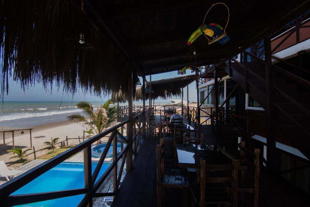 Bungalows villa del mar per bocap n for Bungalows dentro del mar