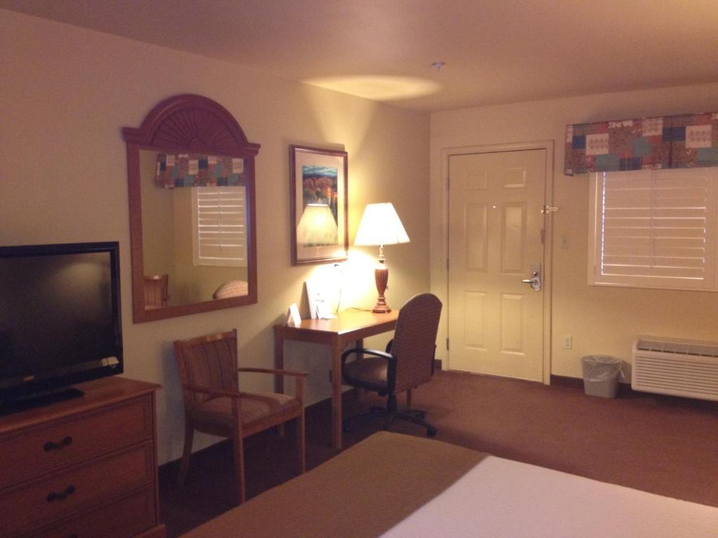 texan inn carrizo springs tx booking com