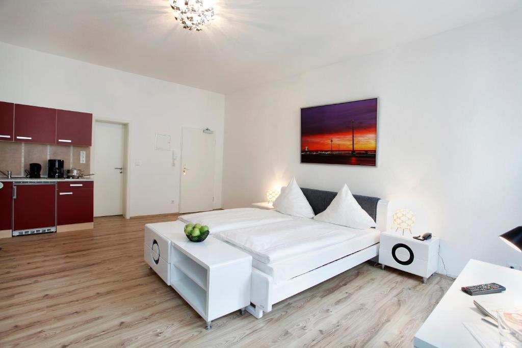 centro hotel design apart deutschland d sseldorf. Black Bedroom Furniture Sets. Home Design Ideas