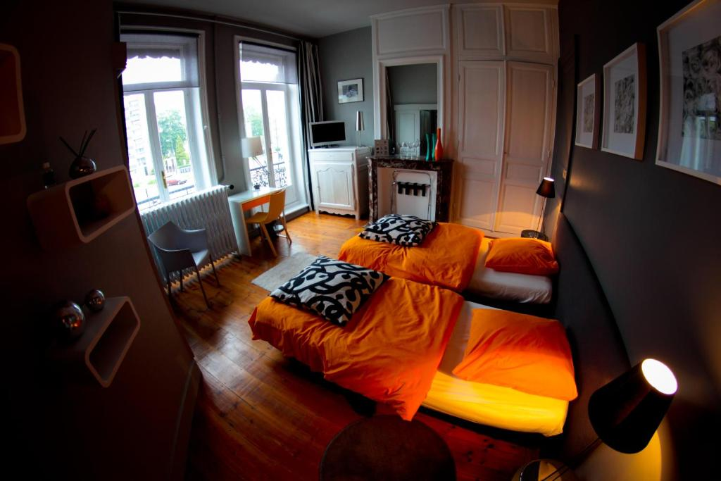bed and breakfast la halte bourgeoise, tourcoing, france - booking