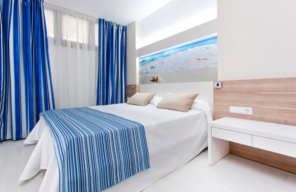 Globales verdemar santa ponsa updated 2018 prices - Booking mallorca apartamentos ...