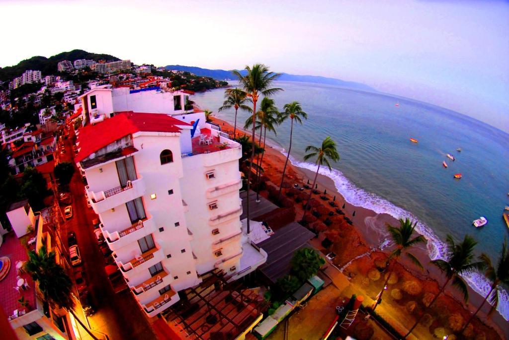 エンペラドール バジャルタ ビーチフロント ホテル & スイーツ(Emperador Vallarta Beachfront Hotel and Suites)
