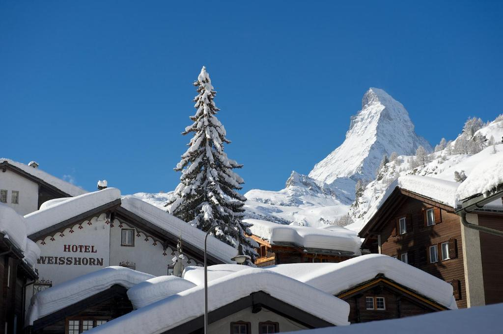 Hotel Weisshorn during the winter