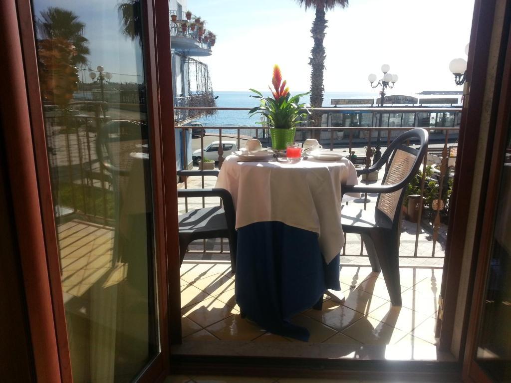 Bed & breakfast la piazzetta italien giardini naxos booking.com