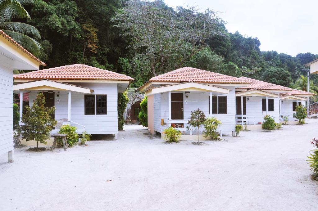 kapas coral beach resort marang malaysia. Black Bedroom Furniture Sets. Home Design Ideas