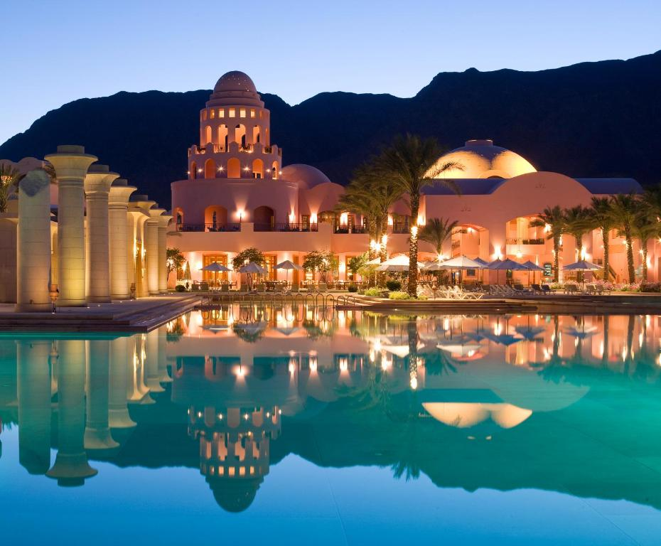 The swimming pool at or near Mosaique Beach Resort Taba Heights