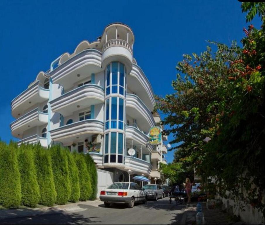 Хотел Манц - Поморие