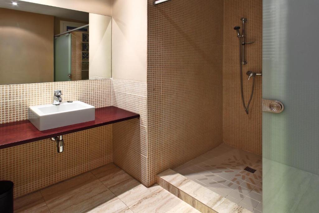Apartamentos bcn port espa a barcelona - Apartamentos en barcelona booking ...