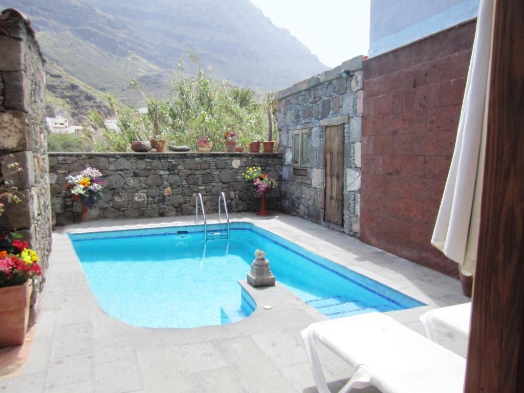 Casa o chalet el lomito espa a san nicol s for Casas rurales malaga con piscina