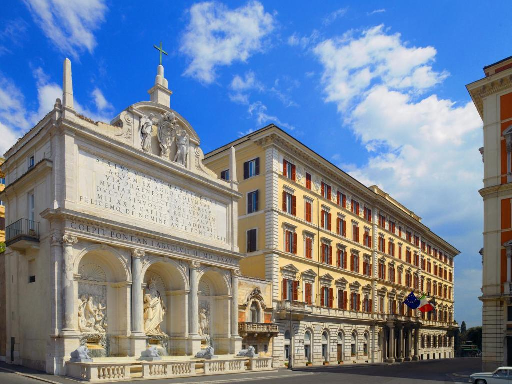 The st regis grand hotel rome italy for St regis