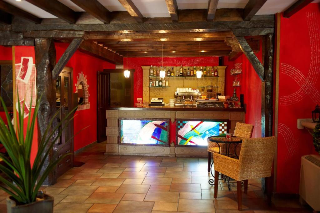 boutique hotels in santillana del mar  69