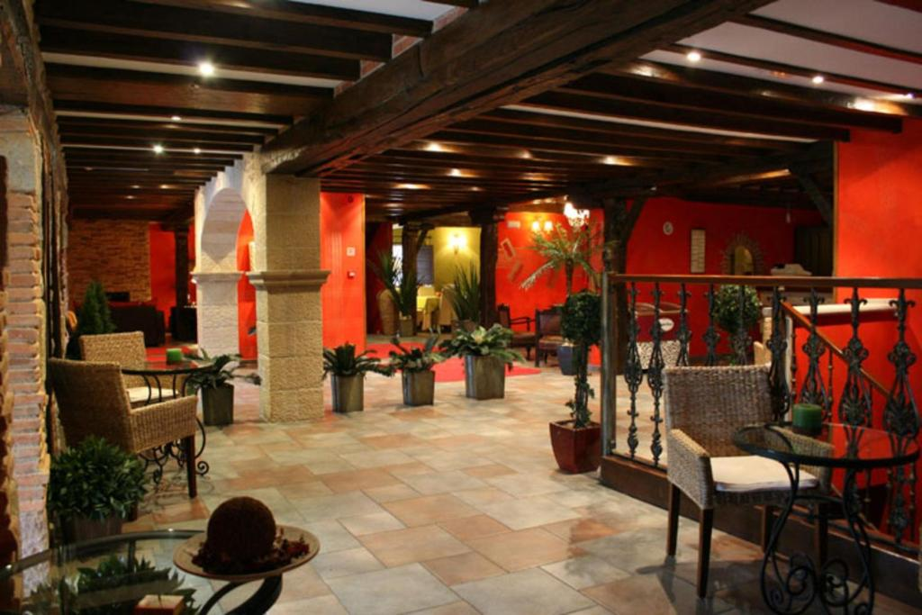 boutique hotels in santillana del mar  56