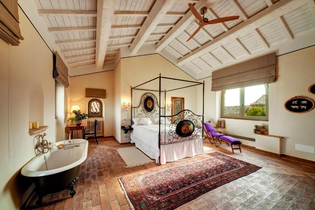 Civita di bagnoregio hotel 2018 world 39 s best hotels for Interni case bellissime