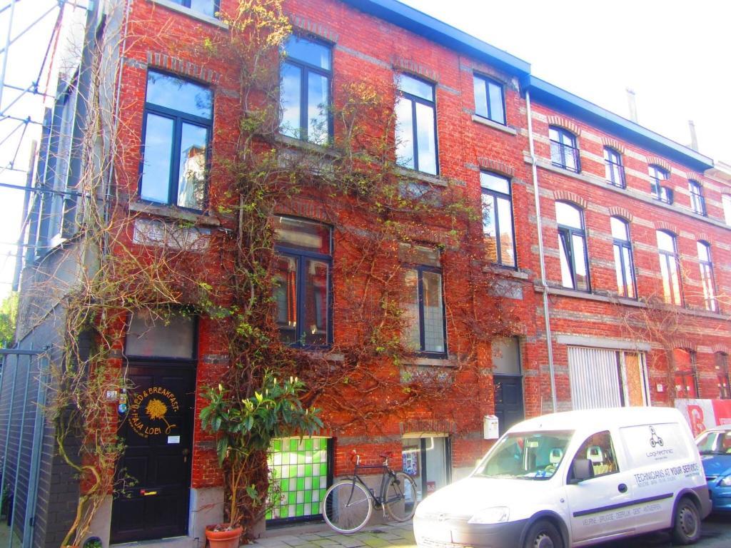 The facade or entrance of B&B Faja lobi