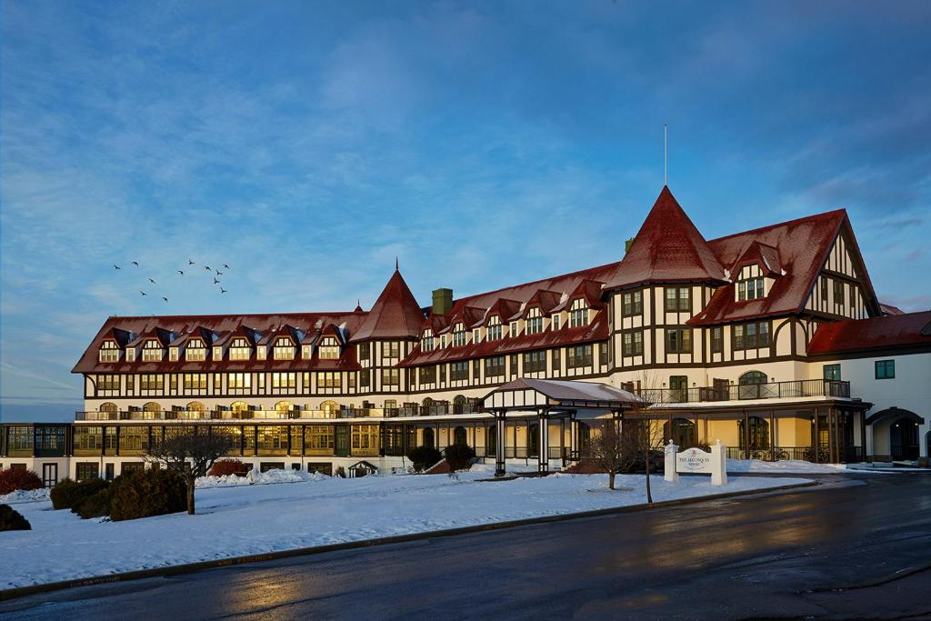 The Algonquin Resort St. Andrews by-the-Sea, Autograph Collection during the winter