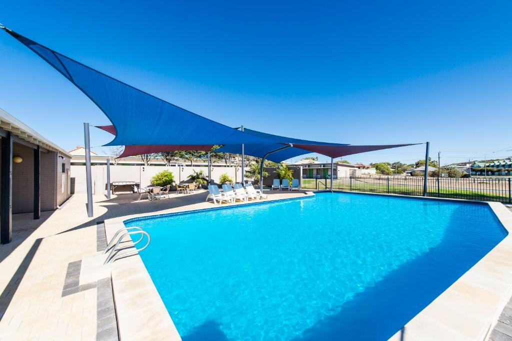 The swimming pool at or near ibis Styles Geraldton