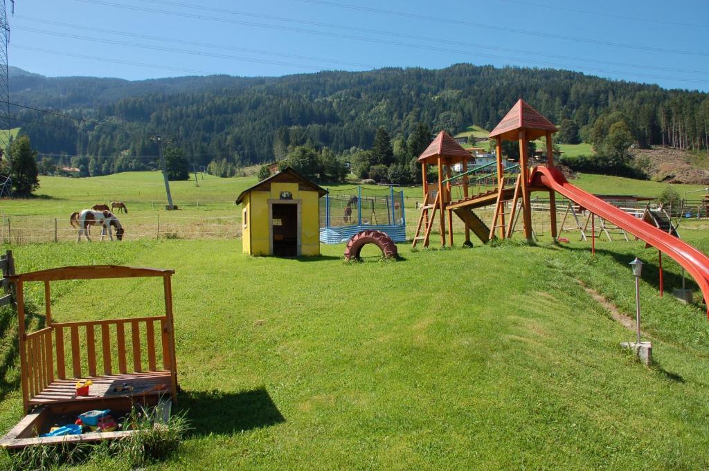 Outdoor Küche Hofer : Pension hofer stubn Österreich kolsassberg booking