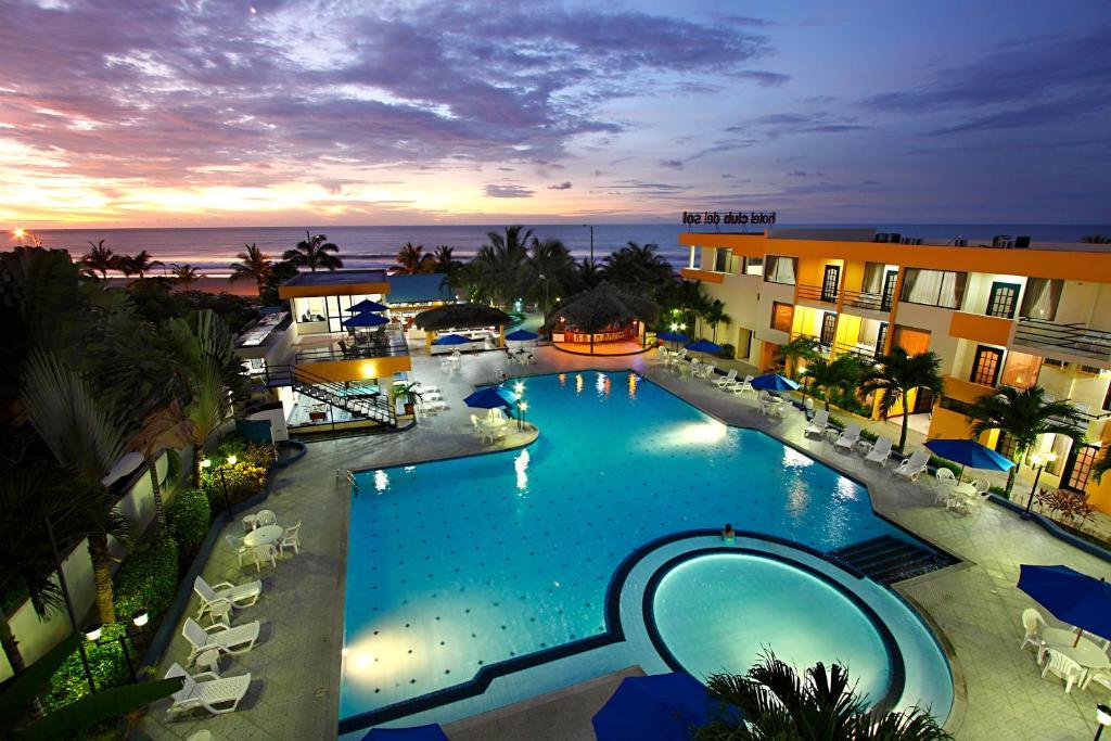 Hotel club del sol atacames hotel precios for Hoteles en bilbao con piscina