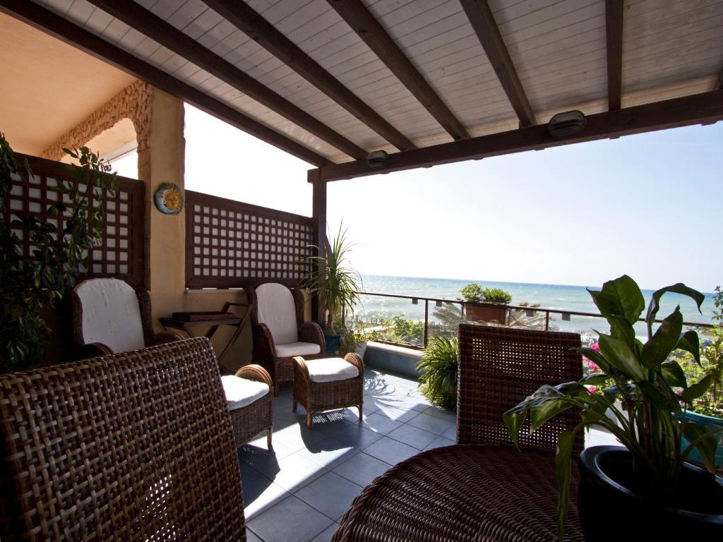 Apartment Terrazza a Mare Corallo, Marina di Ragusa, Italy ...