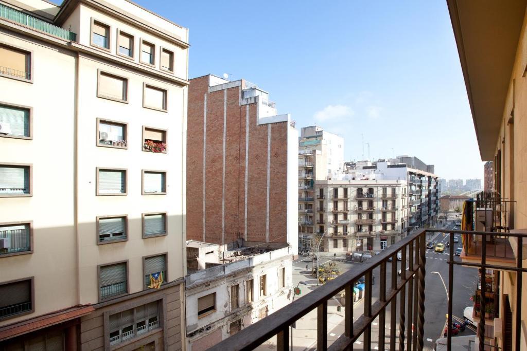 Akira Flats Clot Apartments