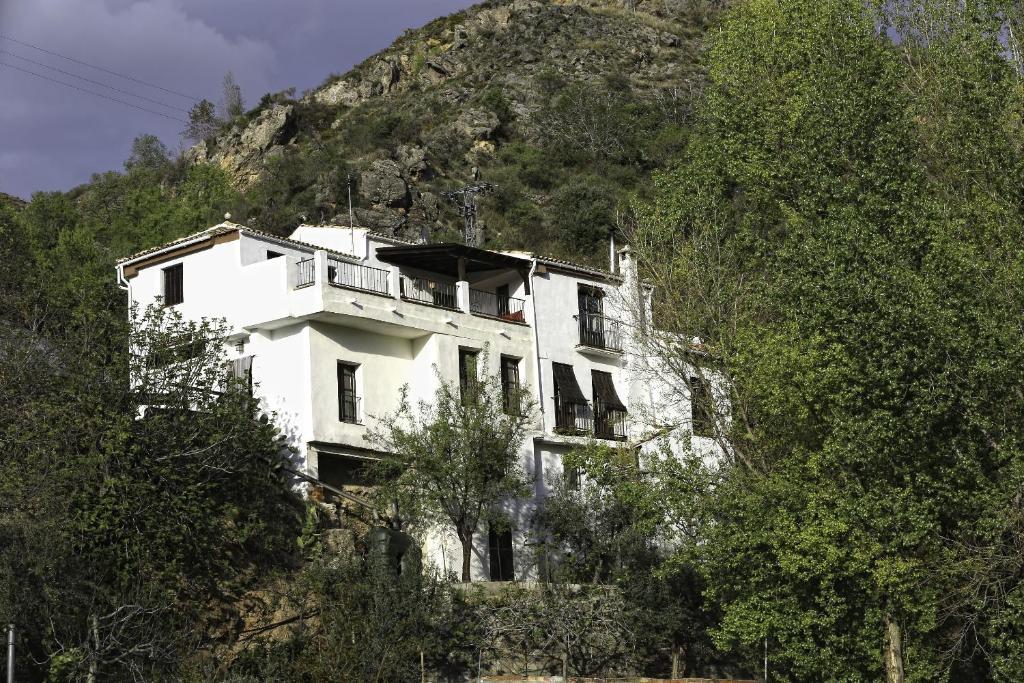 country house casa arroyo de la greda, güéjar-sierra, spain
