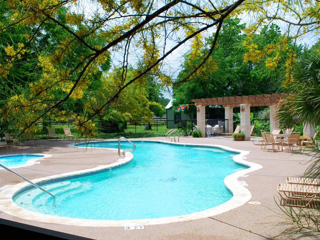 Rustic Creek Ranch Resort Burleson Tx Booking Com