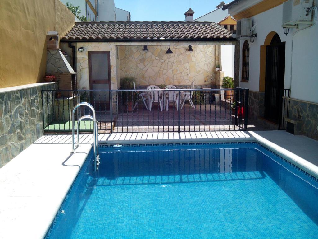 Casa sierra de cadiz el bosque precios mayo 2018 for Patios con piscinas desmontables