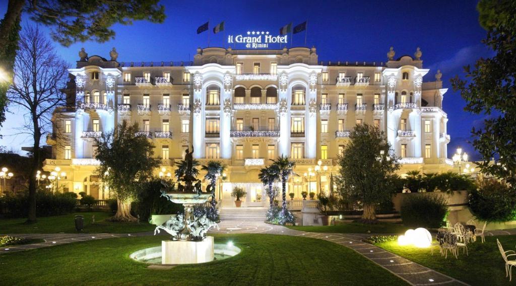 グランド ホテル リミニ エ レジデンツァ パルコ フェリーニ(Grand Hotel Rimini e Residenza Parco Fellini)