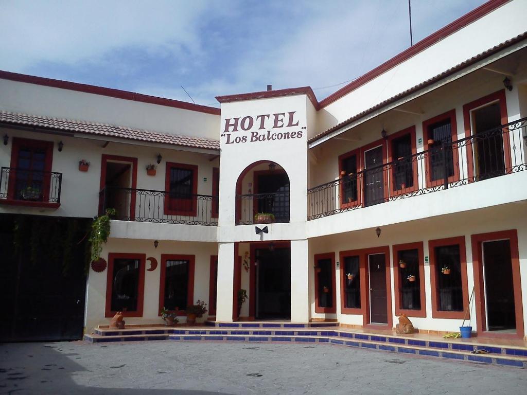 Hotel los balcones m xico parras de la fuente for Central de reservation hotel