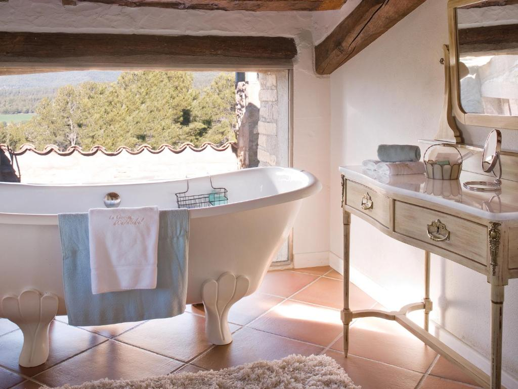boutique hotels castelladral  10