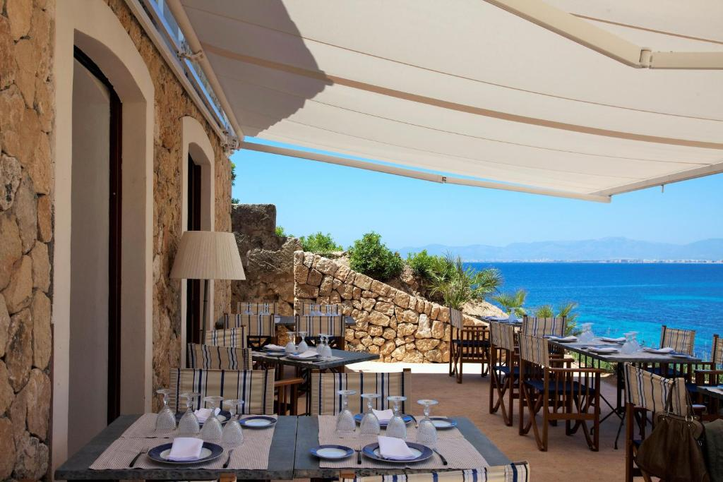 boutique hotels in cala blava  34