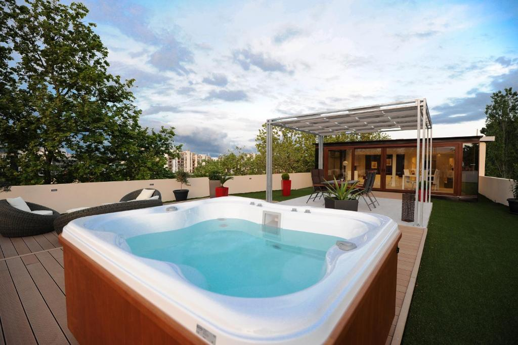 Feel Good Penthouse With Jacuzzi, Zadar – Updated 2018 Prices