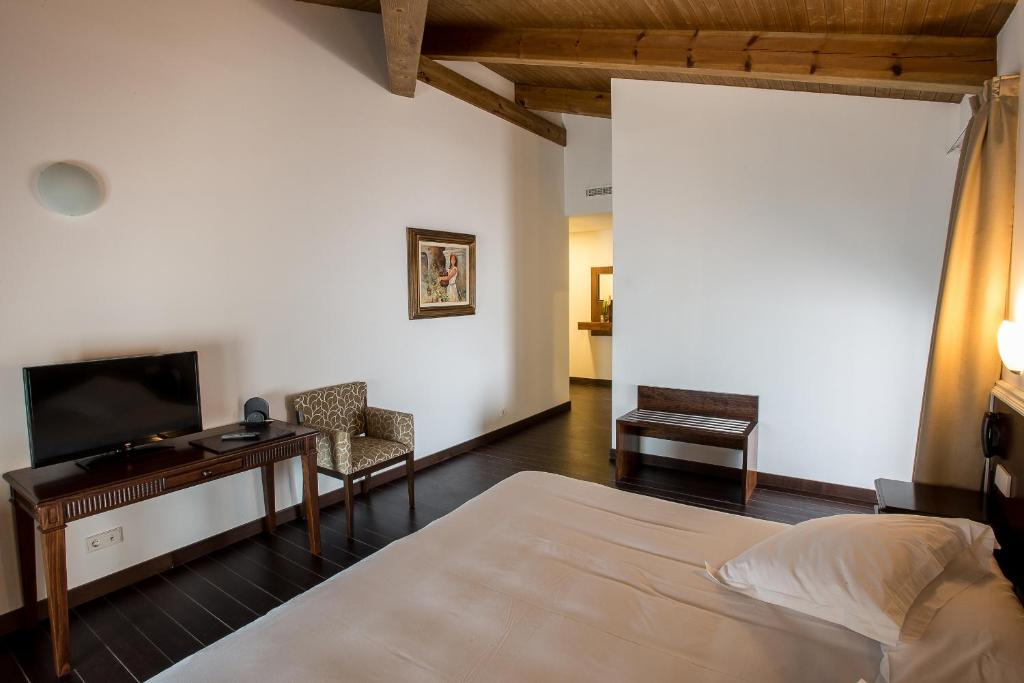 boutique hotels in belmonte  17