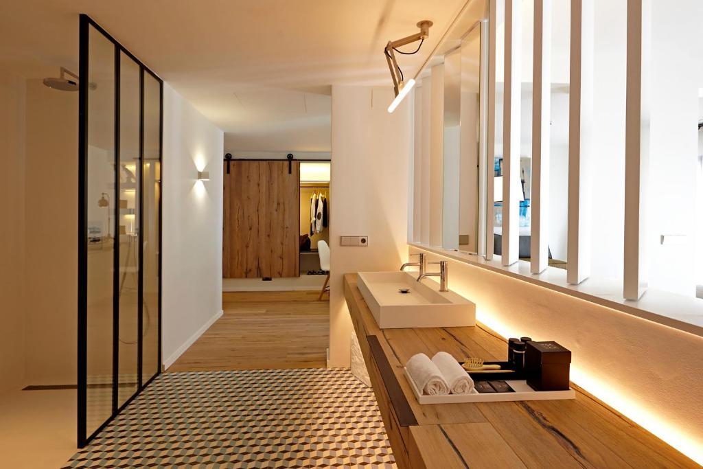 hoteles con encanto en pau  13