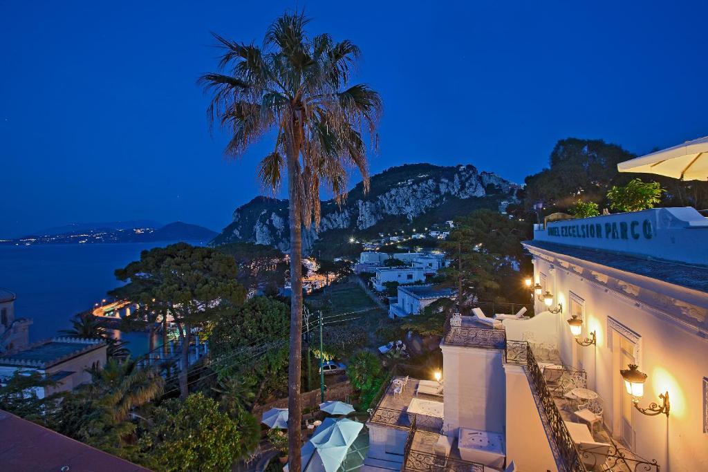 Capri belle poque appuntamento artistico tra musica for Cherche hotel