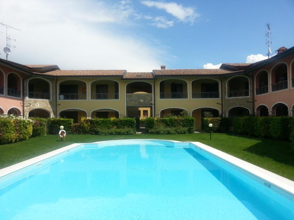 Evelyn\'s Apartments, Moniga, Italy - Booking.com