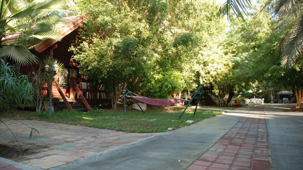 Ein Garten an der Unterkunft Oasis Gadish
