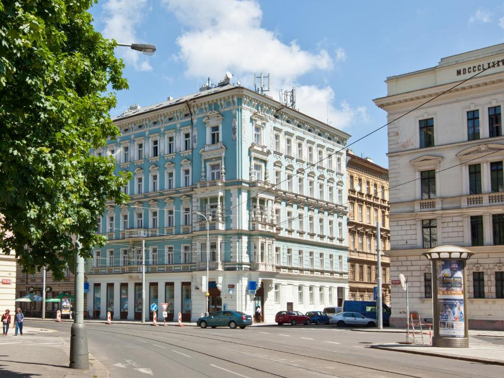 Aparthotel royal prague city apart esko praha for Quirky hotels in prague