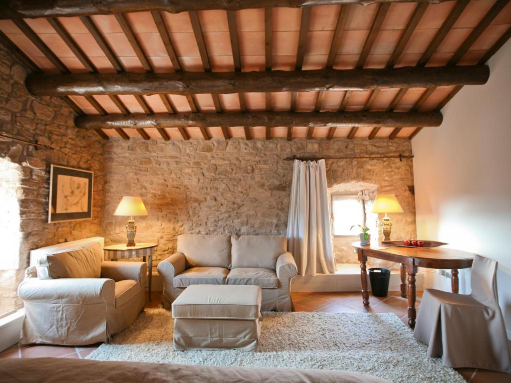 boutique hotels castelladral  12