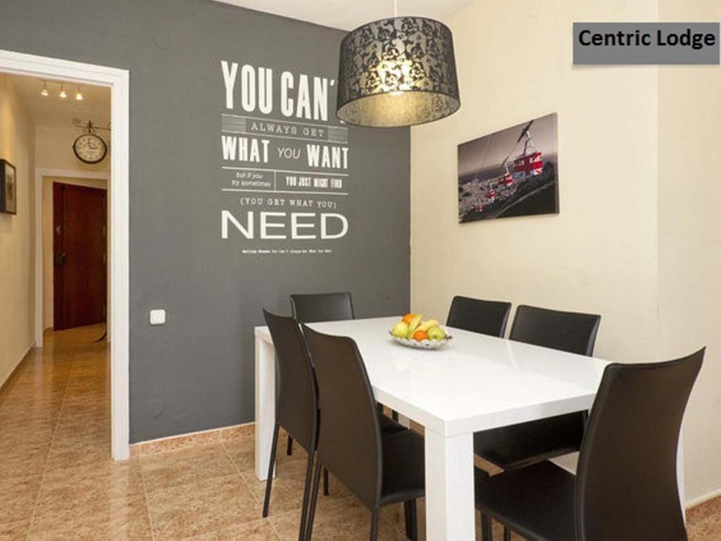 Centric Lodge Apartments imagen