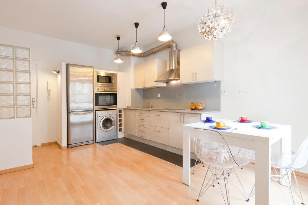 gran imagen de AB Clot Nice Apartment