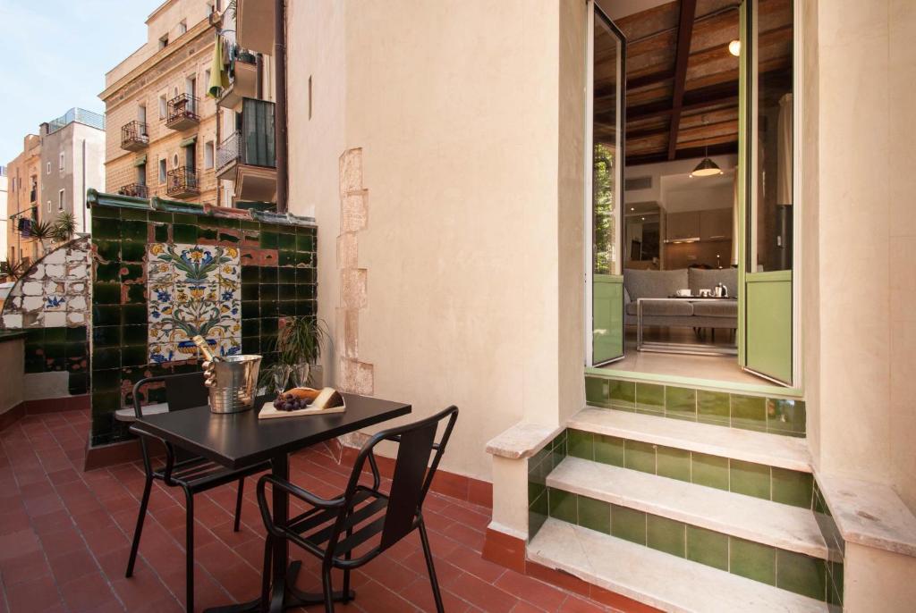 Deco apartments u born studios spanien barcelona booking