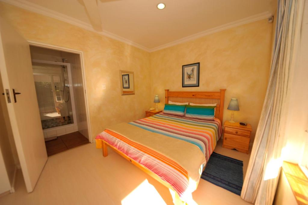west somerset chat rooms 15 quinan road, somerset west 7130 king's highway guest house boasts, private centrally situated accommodation situated in the helderberg valley, adjacent to the somerset west golf course, this beautifully designed house boasts extra spacious rooms with en-suite bathrooms.