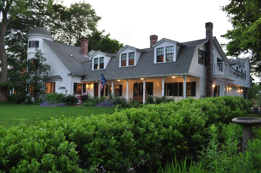 Luxury Stone Throw Cottage Bar Harbor