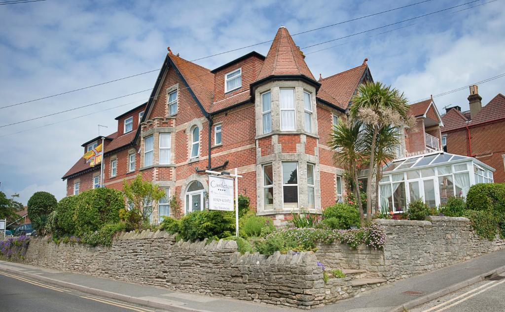 The Castleton Hotel Reserve Now Gallery Image Of This Property
