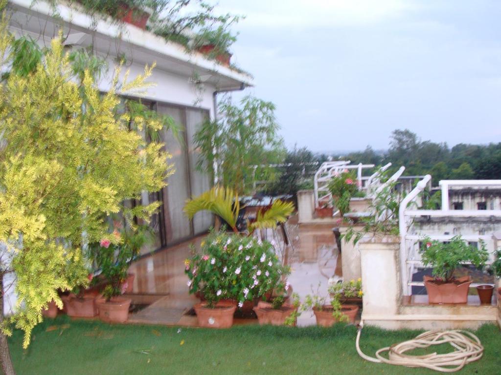 Apartment garden homes 1 6 kolhapur india for Garden house in india