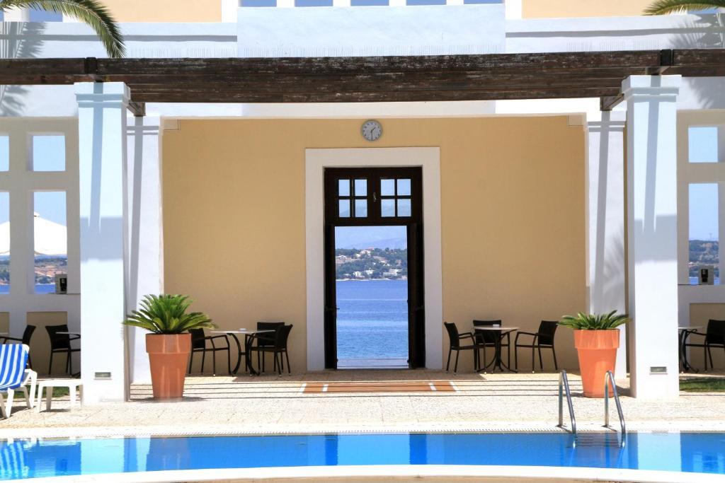 Отель в остров Спетсес на побережье